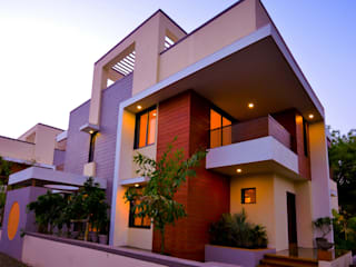 Krishna Villa:  Houses by Maulik Vyas Architects