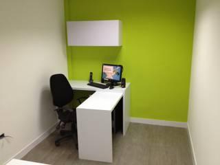 OFICINA SIESCOM, C.A. DEKOR BARQUISIMETO Oficinas de estilo moderno Tablero DM Verde