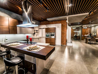 Kitchen by Hacker Kitchen,