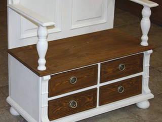 Flurgarderobe mit Schubladen und Sitzbank:  Flur, Diele & Treppenhaus von Massiv aus Holz