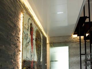 Flur Treppenhaus:  Flur & Diele von Mettner Raumdesign