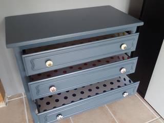 commode en bois vintage:  de style  par Les Idées Filent