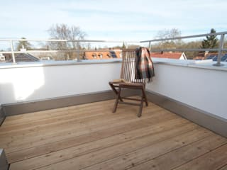 Dachausbau Architekt Armin Hägele Moderner Balkon, Veranda & Terrasse