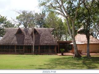 Klassieke tuinen van AIDA TRACONIS ARQUITECTOS EN MERIDA YUCATAN MEXICO Klassiek