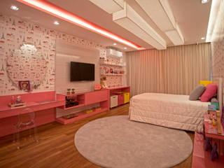 Lana Rocha Interiores Dormitorios de estilo moderno Rosa