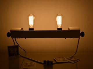Lampe blanche Design issue d'un ancien radiateur de marque PRL des années 60. ArtJL SalonEclairage Métal Blanc