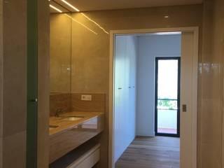 Moradia em Lisboa - Alvalade Casas de banho modernas por HighPlan Portugal Moderno