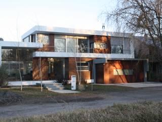 CASA OG Casas modernas: Ideas, imágenes y decoración de Poggi Schmit Arquitectura Moderno