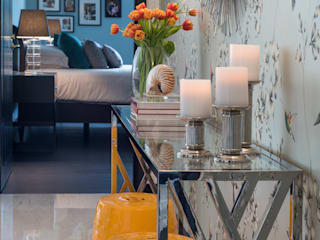 Happy Chic Living Apartment Design Intervention Modern corridor, hallway & stairs Multicolored