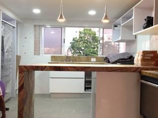 Cocinas de estilo minimalista de John Robles Arquitectos Minimalista