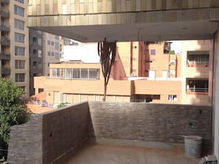 Modern style balcony, porch & terrace by John Robles Arquitectos Modern