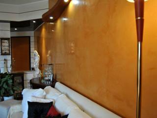 Spatolato veneziano: Sala da pranzo in stile  di EdilDecorazioni