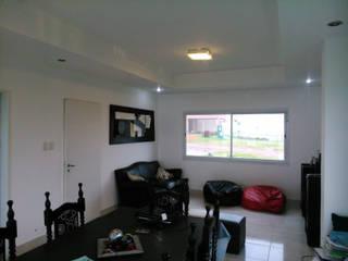 triAda Moderne Wohnzimmer