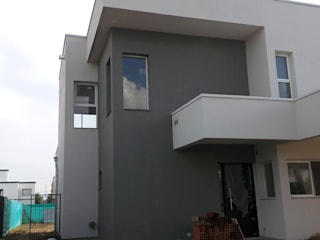 triAda Casas de estilo moderno