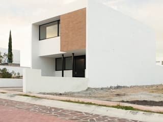 Houses by Región 4 Arquitectura