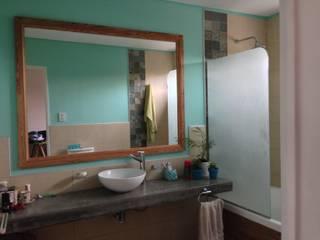 Baño en Aqua: Baños de estilo  por Arq Andrea Mei   - C O M E I -