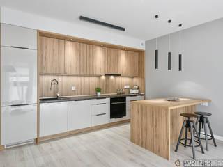 Mieszkanie pokazowe Nowoczesna kuchnia od Q2Design Nowoczesny