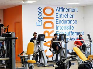 Concept Orange Bleue Salle de sport moderne par Agence 1+1 Moderne