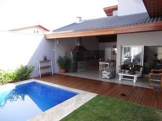 Lozí - Projeto e Obra Balcone, Veranda & Terrazza in stile moderno