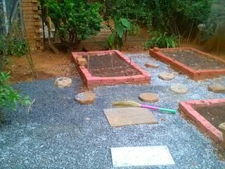 Cherry Garden and Landscapers Jardines de estilo clásico