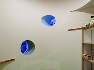 おかうのまち歯科: Y.Architectural Designが手掛けた窓です。