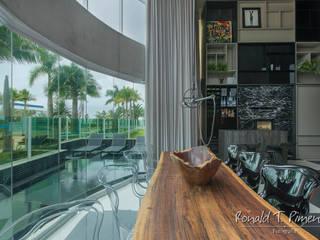 Salle à manger moderne par Ronald T. Pimentel Fotografia Moderne