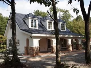 森に暮らす家: 有限会社イデアクラフト一級建築士事務所が手掛けたスカンジナビアです。,北欧