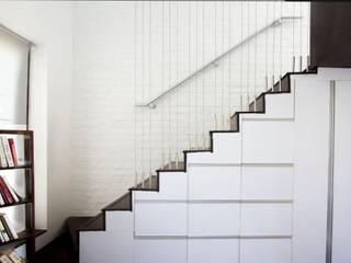 Studio Apartments Urban Shaastra Minimalist corridor, hallway & stairs