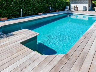 Construction d'une piscine enterrée et terrasse bois Envid'O Piscine méditerranéenne
