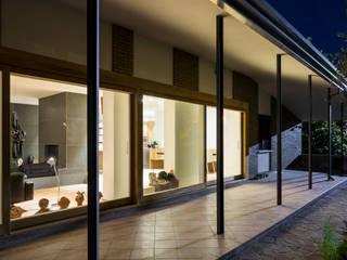 Casa CL: Terrazza in stile  di C&P Architetti - Luca Cuzzolin + Elena Pedrina