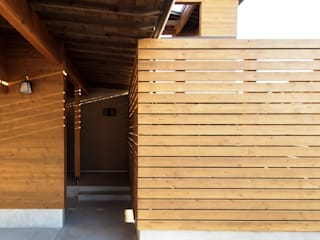 AtelierorB Modern houses Wood Wood effect