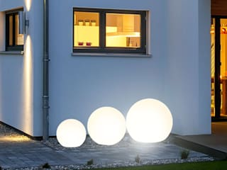 Skapetze Lichtmacher Balconies, verandas & terraces Lighting White