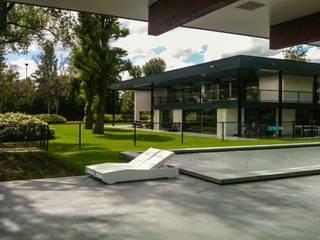 Familietuin: minimalistische Tuin door Vosselman Buiten
