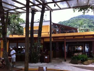 Hôtels minimalistes par Piratininga Arquitetos Associados Minimaliste
