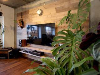 vintage×sozai Phòng khách phong cách tối giản bởi nuリノベーション Tối giản