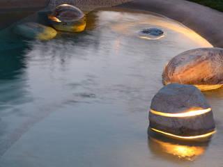 Menhir Pool:  in stile  di Essenze di Luce