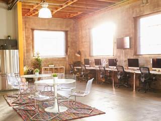 Oficina Valencia Estudios y despachos de estilo ecléctico de El Mussol Rosa Ecléctico