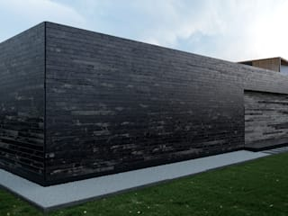 Grynevich Architects Minimalist house Wood Brown
