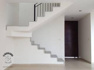 Corridor & hallway by La Maquiladora / taller de ideas
