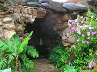 Rustikaler Garten von Bizzarri Pedras Rustikal
