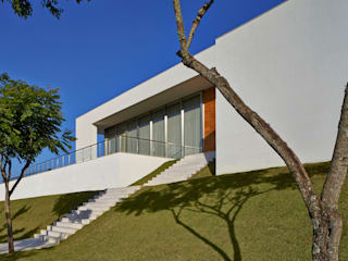 Modern Houses by Lanza Arquitetos Modern