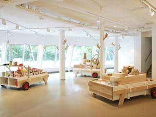 Boswinkel Amsterdamse bos Moderne winkelruimten van MennOntwerpt Modern