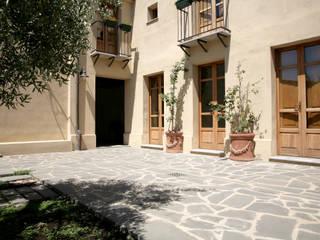Balcones y terrazas de estilo mediterráneo de Studio di Architettura Ortu Pillola e Associati Mediterráneo