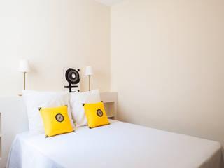 Master bedroom من Markham Stagers حداثي