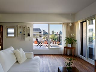 Balkon, Beranda & Teras Modern Oleh 向山建築設計事務所 Modern
