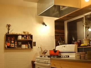 白石家リノベーション: 浅野翼建築設計室が手掛けたキッチンです。