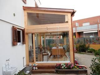 現代房屋設計點子、靈感 & 圖片 根據 Lignea Construcció Sostenible 現代風