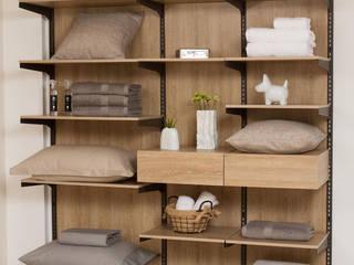 Dormitorios de estilo  por Espacio al Cuadrado, Moderno