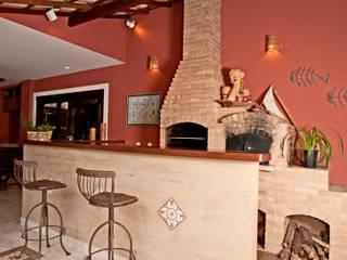 Andréa Spelzon Interiores Balcones y terrazas de estilo rústico