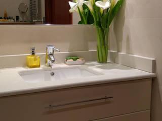 Gala Feng Shui Interiorismo online en Azpeitia Modern bathroom